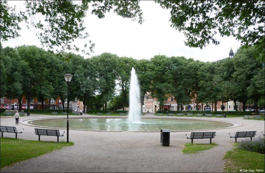 Parkbänken vid Karlaplans fontän